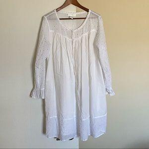 Eileen West night gown